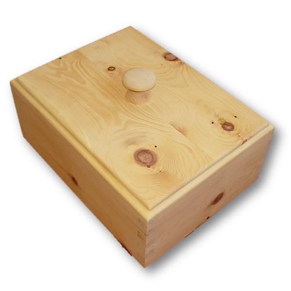 zirbenholzbrotdose rechteckig mit klimadeckel mit herz gemacht. Black Bedroom Furniture Sets. Home Design Ideas